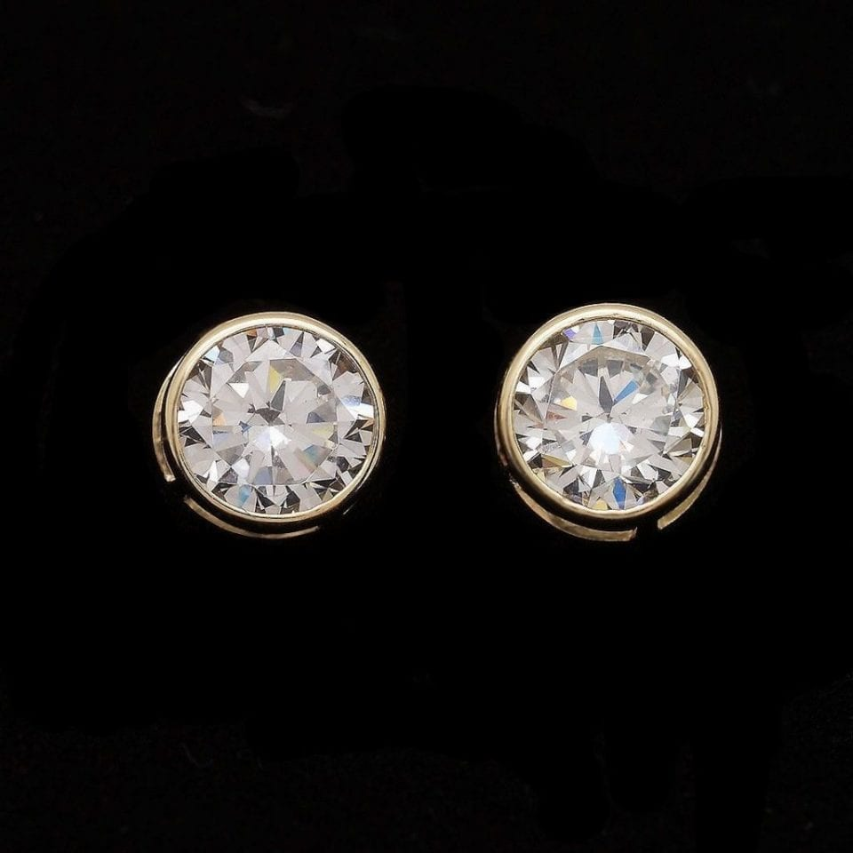 bezels round set diamond gold total earrings stud white orly brilliant weight cut prong classic diamonds bezel